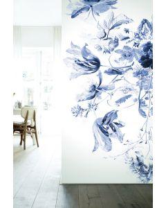 Fotobehang Royal Blue Flowers III van KEK Amsterdam in diverse formaten