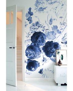 Fotobehang Royal Blue Flowers I van KEK Amsterdam in diverse formaten